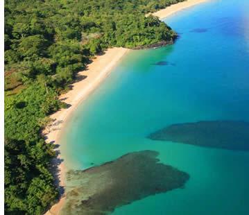 Veduta aerea di Red Frog Beach in Bastimentos isola, Bocas del Toro, Panama