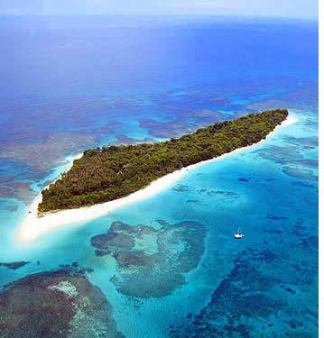 Veduta aerea di Zapatilla isola a Bocas del Toro, Panama